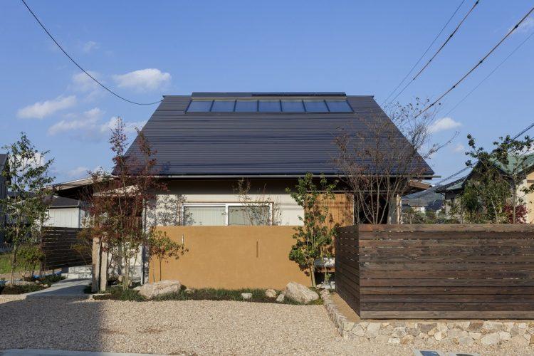 OMソーラーでほっこり 美しい大屋根の家(山口県山口市/大屋根)
